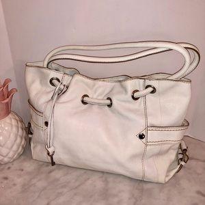 Fossil winter white shoulder bag NWOT gorgeous! 😎